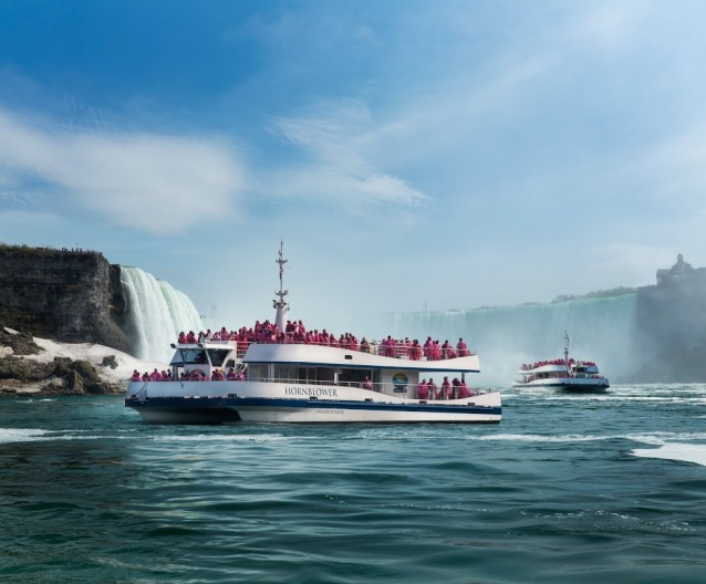 Copy of Hornblower Niagara  Cruises - Niagara Thunder and Niagara Wonder in Horseshoe Falls (1)